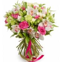 Сборный букет орхидеи и розы с лентами R124
