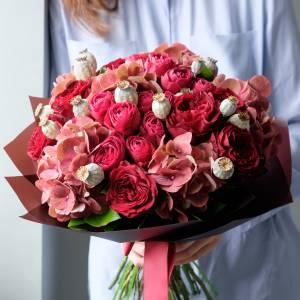 Сборный букет с красными розами R457